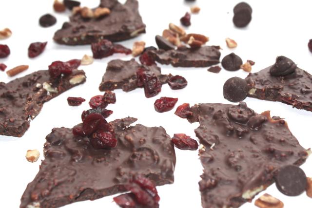 chocolate-bark-broken